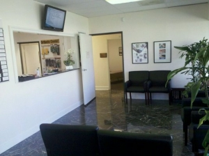 918_Mission_HIlls_Chiropractic_2_waiting_room-300x224
